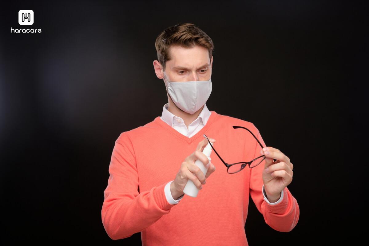 semprot disinfekan kacamata
